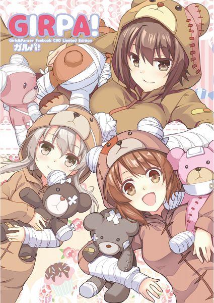 Tags: Anime, Mori Kouichirou, GIRLS und PANZER, Shimada Arisu, Nishizumi Maho, Nishizumi Miho, Bear Hood, Arm Sling, Bear Costume, Mobile Wallpaper