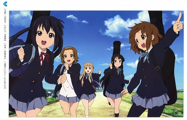 Tags: Anime, Horiguchi Yukiko, Kyoto Animation, K-ON!, Hirasawa Yui, Nakano Azusa, Tainaka Ritsu, Kotobuki Tsumugi, Akiyama Mio, Guitar Case, Instrument Case, Official Art, Scan