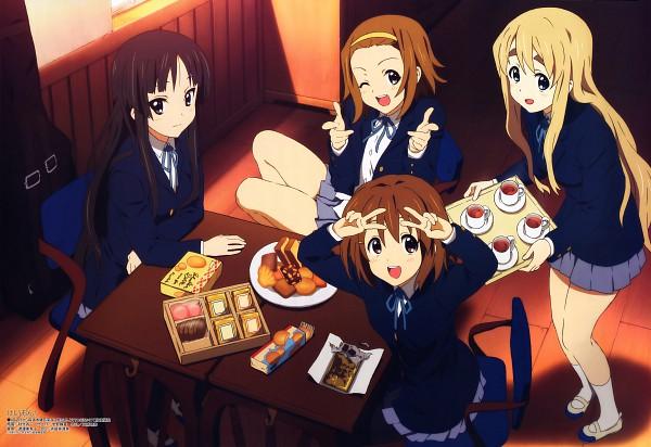 Tags: Anime, Akitake Seiichi, Kyoto Animation, K-ON!, Megami #108 2009-05, Kotobuki Tsumugi, Akiyama Mio, Hirasawa Yui, Tainaka Ritsu, K-ON! Official Artwork Collection, Official Art, Scan