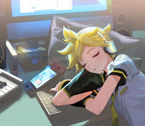 Tags: Anime, Pixiv Id 33254587, VOCALOID, Kagamine Len, Monitor, Keyboard (Instrument), Nintendo Switch, Keyboard (Computer), Len Kagamine