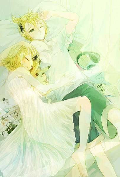 Tags: Anime, Pixiv Id 3490137, VOCALOID, Pokémon, Kagamine Rin, Pikachu, Kagamine Len, Hand on Stomach, Mobile Wallpaper, Pixiv, Fanart, Fanart From Pixiv, Kagamine Mirrors