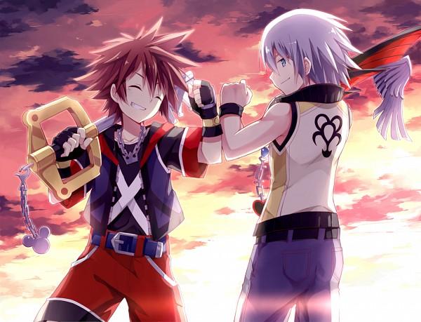 Tags: Anime, Kinoshita Neko, Kingdom Hearts 3D: Dream Drop Distance, Kingdom Hearts, Riku (Kingdom Hearts), Sora (Kingdom Hearts), Keyblade, Bro Fist, Pixiv
