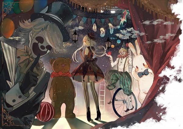 Tags: Anime, Bou Shaku, VOCALOID, Luo Tianyi, Bear Costume, Vertical-striped Legwear, Circus, Red Curtain, Unicycle, Baggy Pants, Juggling, Clown, Ruff Collar