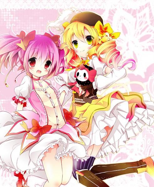 Tags: Anime, Nanamomo Rio, Mahou Shoujo Madoka☆Magica, Kaname Madoka, Charlotte (Madoka Magica), Tomoe Mami, Pixiv