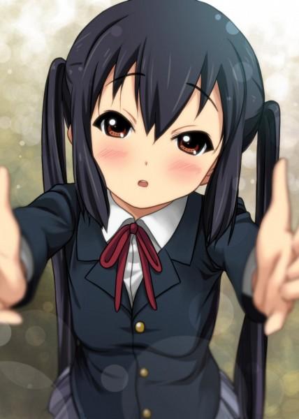 Tags: Anime, Ryunnu, K-ON!, Nakano Azusa, Mobile Wallpaper, Azusa Nakano