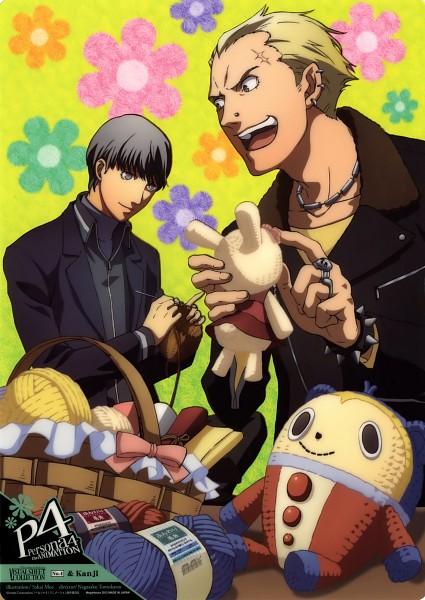 Tags: Anime, Shin Megami Tensei: PERSONA 4, Kuma, Tatsumi Kanji, Narukami Yu, Sewing, Saki Moe, Knitting, Ball of Yarn, Mobile Wallpaper, Official Art