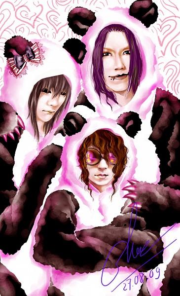 Tags: Anime, Alzheimer13, Ruki (The GazettE), Kai (The GazettE), Aoi (The GazettE), Panda Hood, Panda Costume, deviantART, The GazettE
