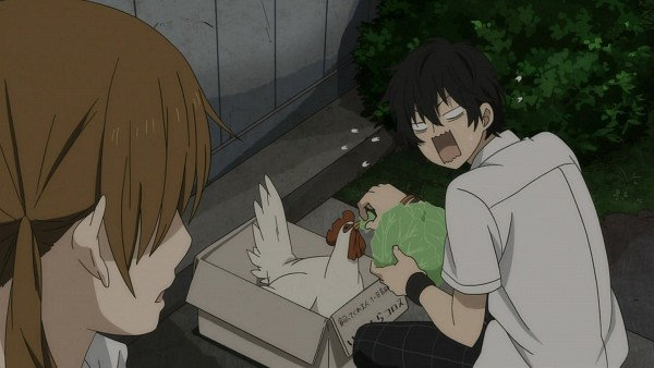 Tags: Anime, Tonari no Kaibutsu-kun, Nagoya (Tonari no Kaibutsu-kun), Yoshida Haru, Mizutani Shizuku, Cabbage, Chicken, Screenshot, Wallpaper, The Monster Next To Me