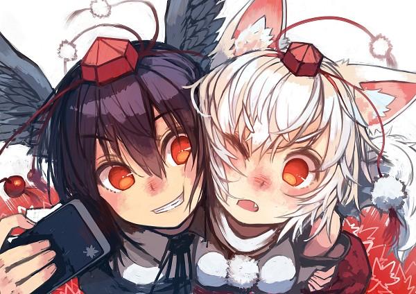 Tags: Anime, WINDow (Pixiv3725576), Touhou, Shameimaru Aya, Inubashiri Momiji, Cheeks Together, Holding Phone, PNG Conversion, Fanart, AyaMomi